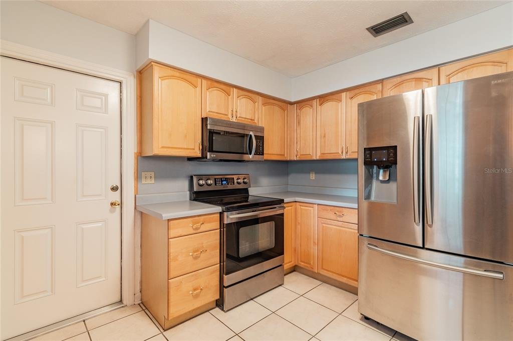Pending   6814 PROVIDENCE ROAD RIVERVIEW, FL 33578 17