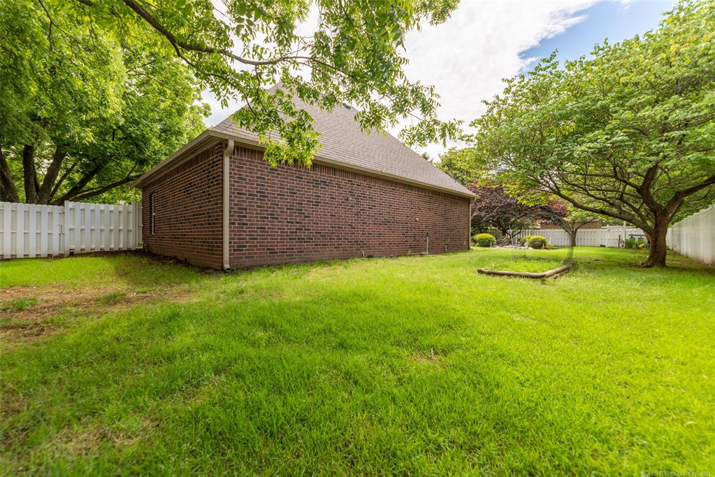 Off Market   1804 Forest Park Drive Claremore, Oklahoma 74017 46