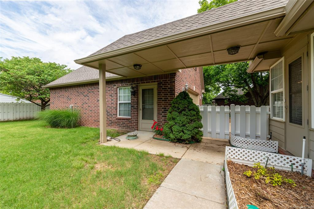 Off Market   1804 Forest Park Drive Claremore, Oklahoma 74017 47
