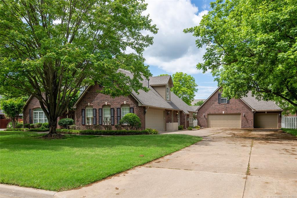 Off Market   1804 Forest Park Drive Claremore, Oklahoma 74017 49