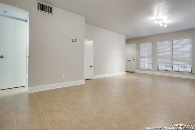 Active Option | 211 GRANDVIEW PL #2 San Antonio, TX 78209 1