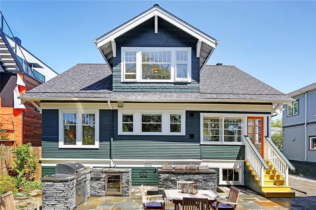 Pending | 6215 Greenwood Avenue N Seattle, WA 98103 36