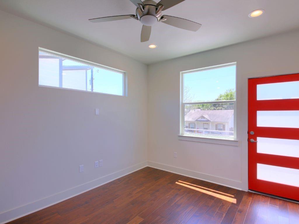 Closed   7301 Providence Avenue #B Austin, TX 78752 24