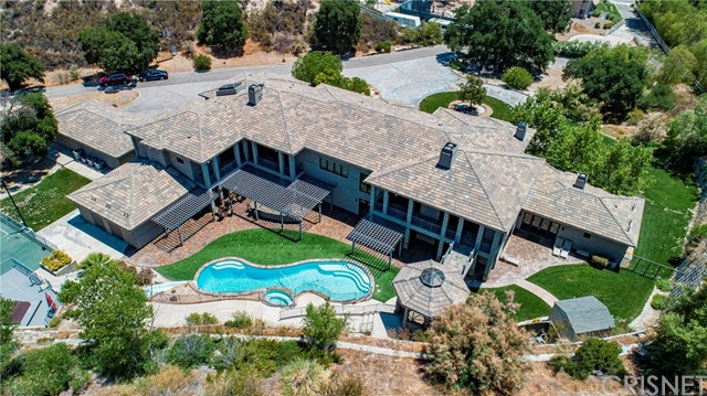 Active | 15609 Bronco Drive Canyon Country, CA 91387 4
