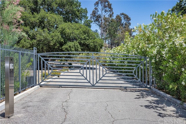 Active | 15609 Bronco Drive Canyon Country, CA 91387 10