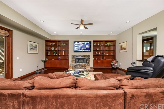 Active | 15609 Bronco Drive Canyon Country, CA 91387 34
