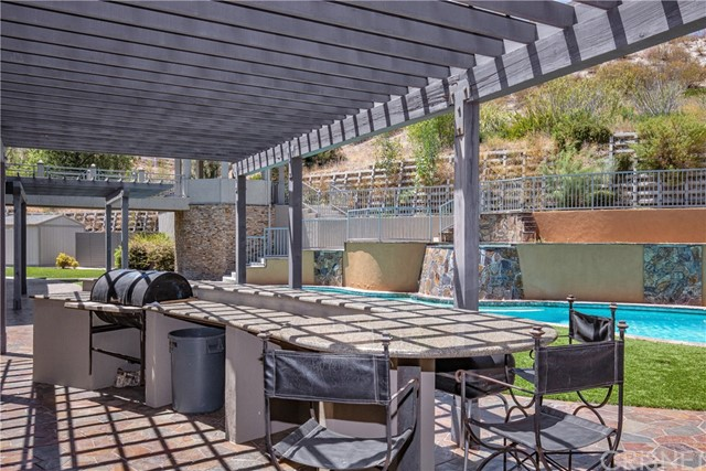 Active | 15609 Bronco Drive Canyon Country, CA 91387 72