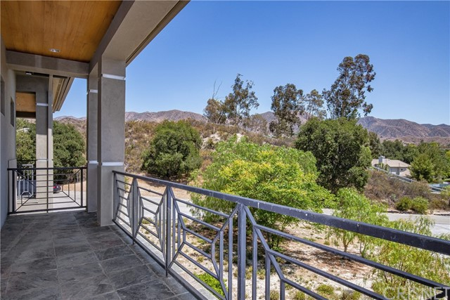Active | 15609 Bronco Drive Canyon Country, CA 91387 74