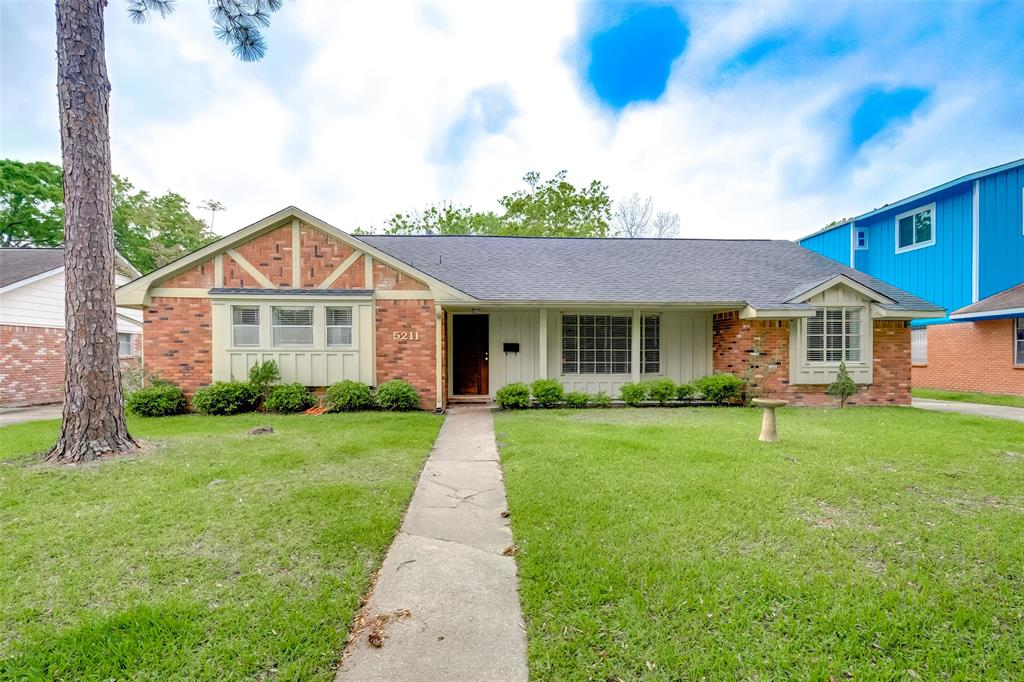 Active | 5211 Hummingbird Street Houston, Texas 77035 0
