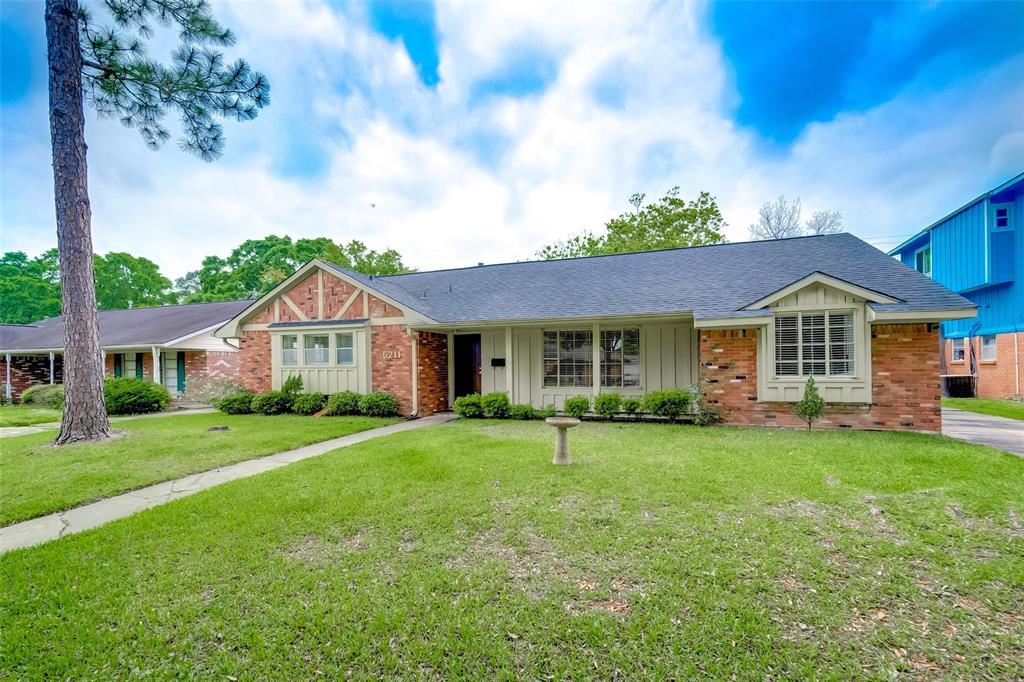 Active | 5211 Hummingbird Street Houston, Texas 77035 3