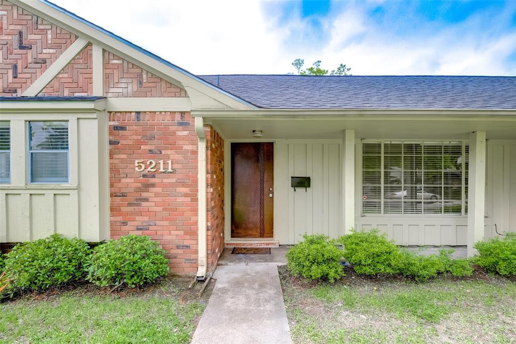 Active | 5211 Hummingbird Street Houston, Texas 77035 5