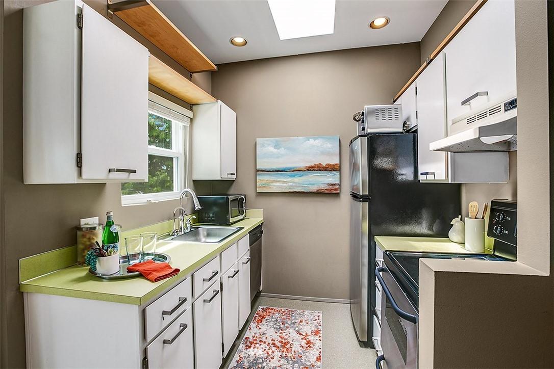 Sold Property | 4530 Meridian Avenue N #S 8 Seattle, WA 98103 5