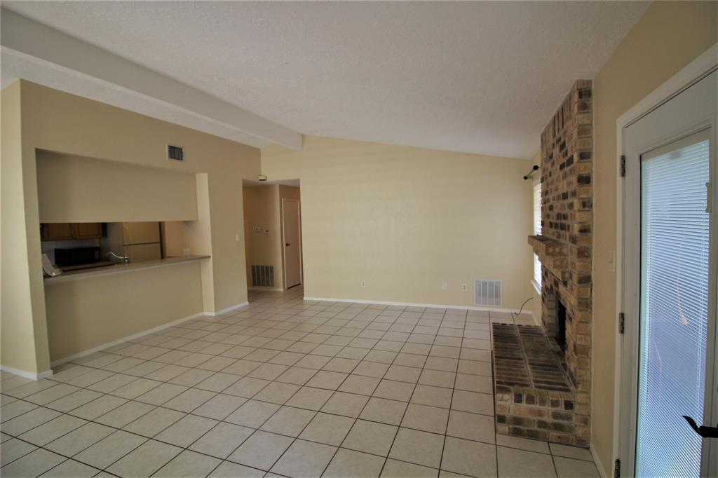 Option Pending | 22 Dellforest Court The Woodlands, Texas 77381 10