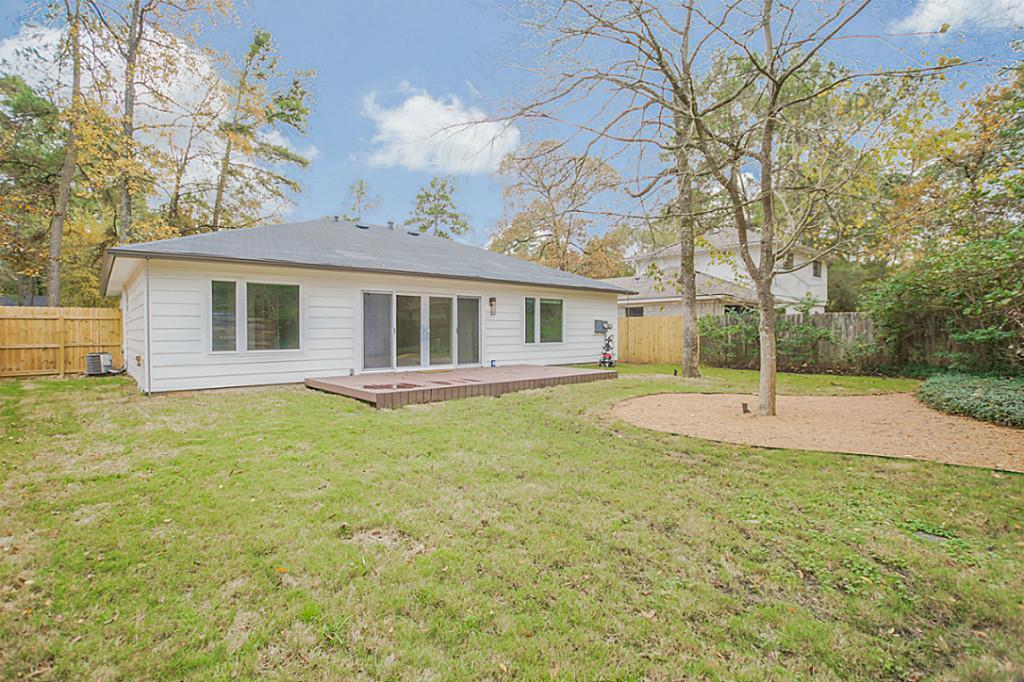 Off Market   7 Greeningdon Street The Woodlands, Texas 77381 23