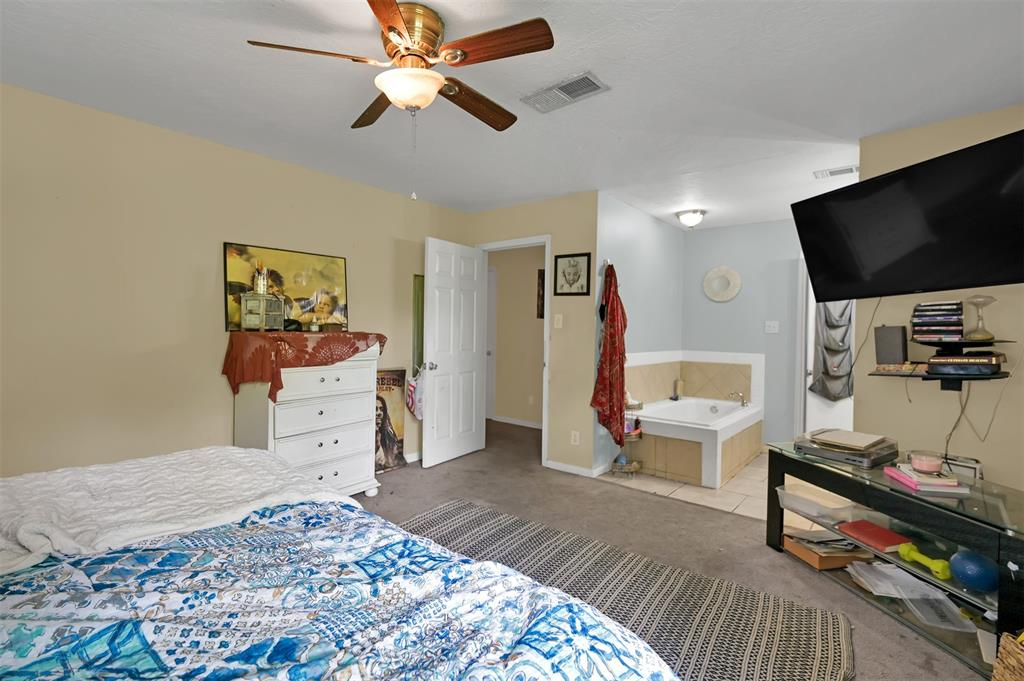Active   400 Shadywood Circle Conroe, Texas 77304 18
