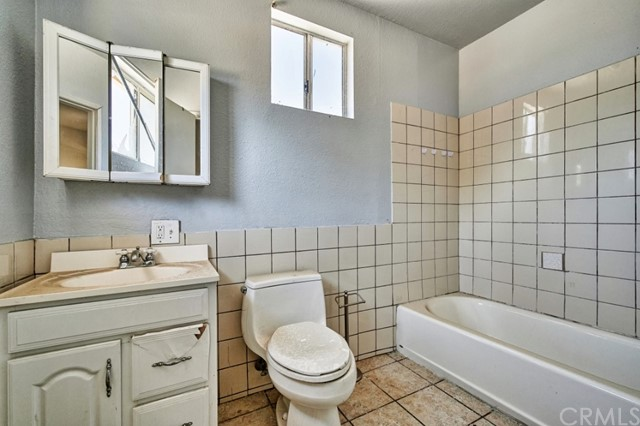 Closed   632 N Gardena Street San Bernardino, CA 92411 14