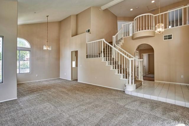 Active Under Contract | 7440 Jacaranda Avenue Fontana, CA 92336 11