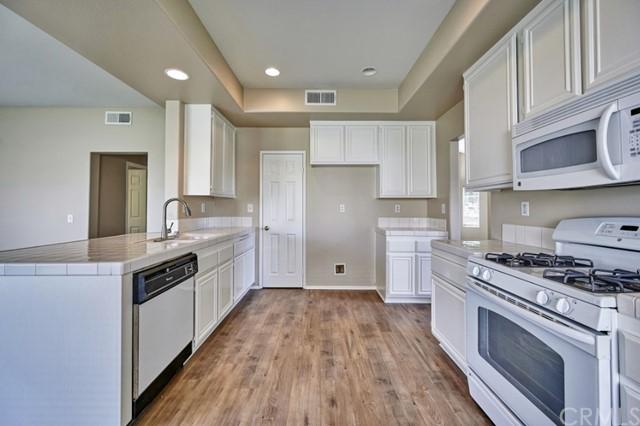 Active Under Contract | 7440 Jacaranda Avenue Fontana, CA 92336 14