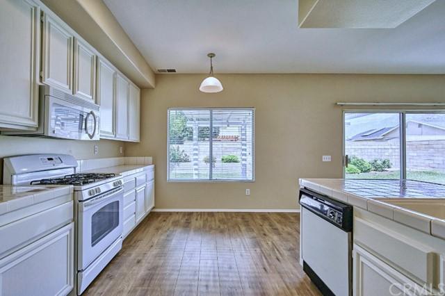 Active Under Contract | 7440 Jacaranda Avenue Fontana, CA 92336 17