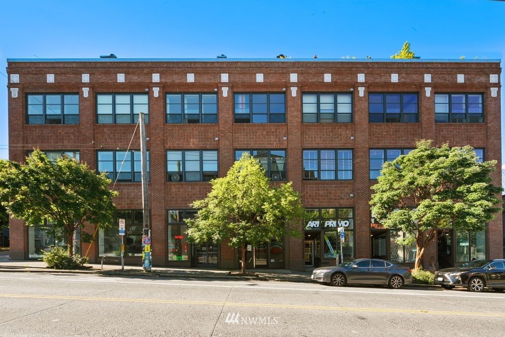 Active | 417 E Pine Street #406 Seattle, WA 98122 32