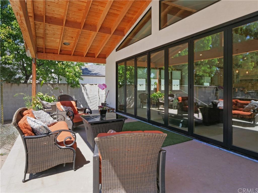 Active | 19 Dapplegray Lane Rolling Hills Estates, CA 90274 12