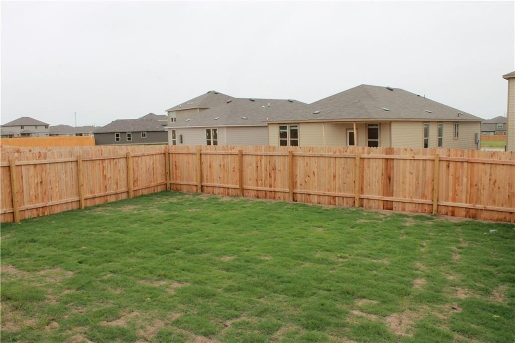 Pending   328 Wonderful Life Way Jarrell, TX 76537 14