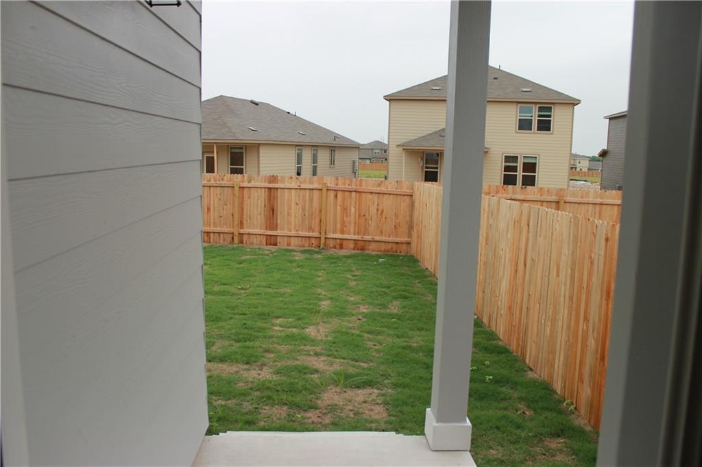 Pending   328 Wonderful Life Way Jarrell, TX 76537 16