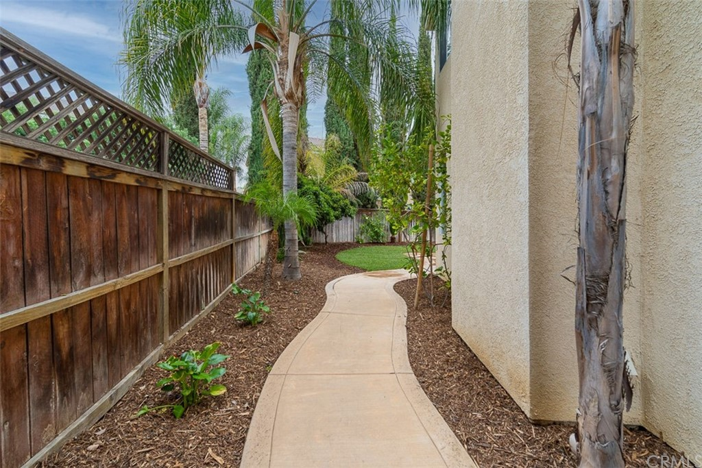 ActiveUnderContract | 26592 Brickenridge Circle Murrieta, CA 92563 31