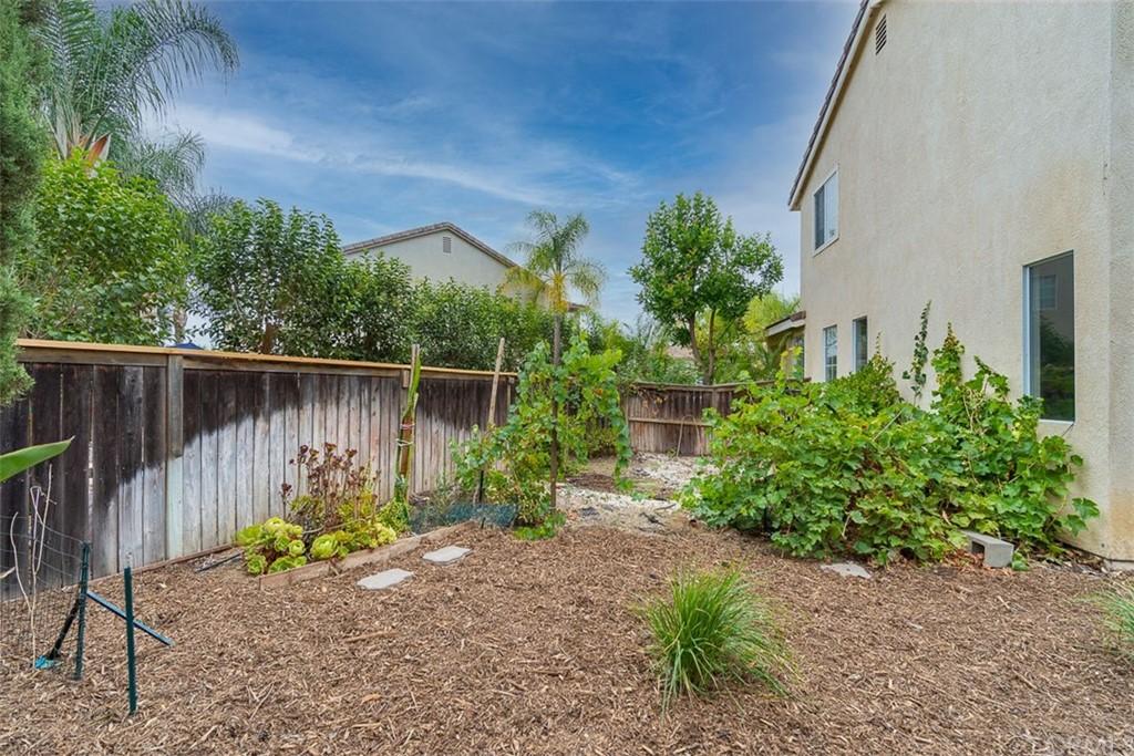 ActiveUnderContract | 26592 Brickenridge Circle Murrieta, CA 92563 26