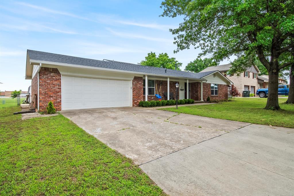 Active | 232 E 17th Street Claremore, Oklahoma 74017 1