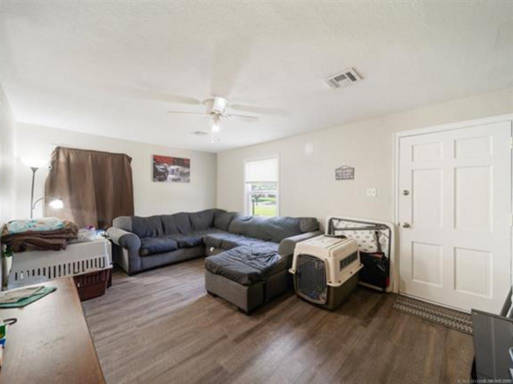 Active   420 SE 5th Street Pryor, Oklahoma 74361 17