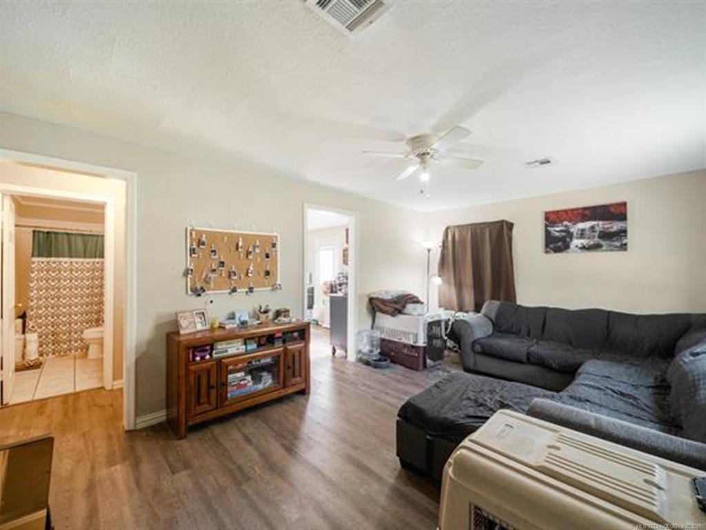Active   420 SE 5th Street Pryor, Oklahoma 74361 18