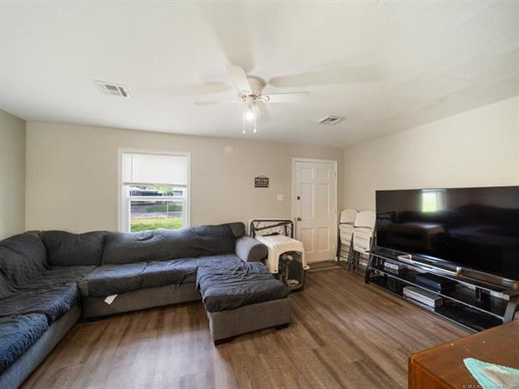 Active   420 SE 5th Street Pryor, Oklahoma 74361 19