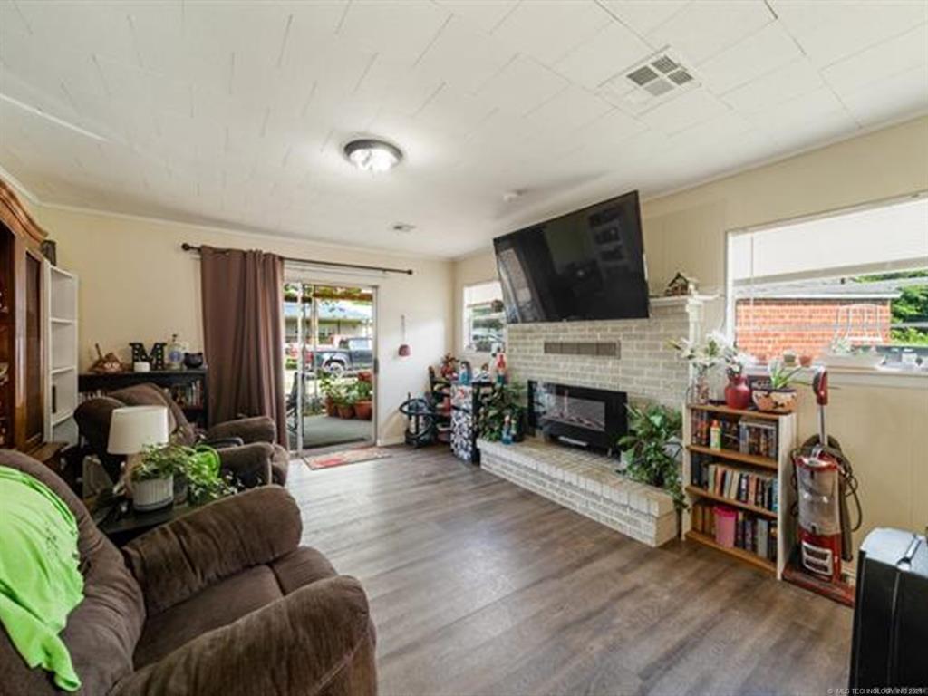 Active   420 SE 5th Street Pryor, Oklahoma 74361 23