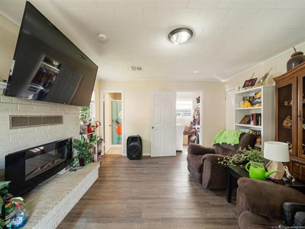 Active   420 SE 5th Street Pryor, Oklahoma 74361 24