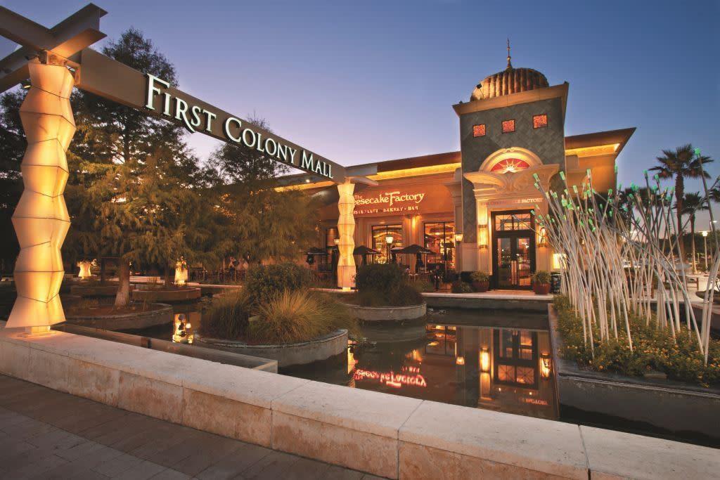 Active   2019 Kashmere Spring Lane Fresno, Texas 77545 27