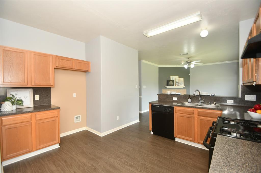 Active   2019 Kashmere Spring Lane Fresno, Texas 77545 9