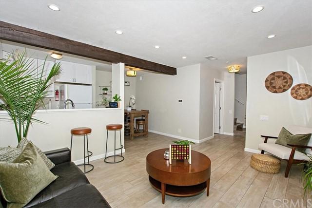 Pending | 1381 S Walnut Street #2202 Anaheim, CA 92802 0
