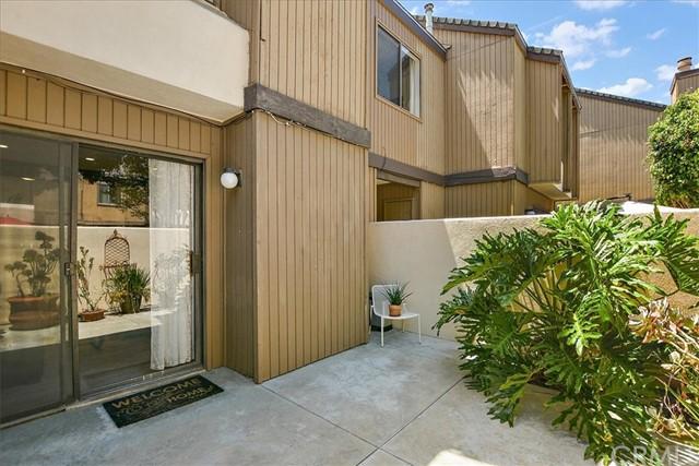 Pending | 1381 S Walnut Street #2202 Anaheim, CA 92802 8