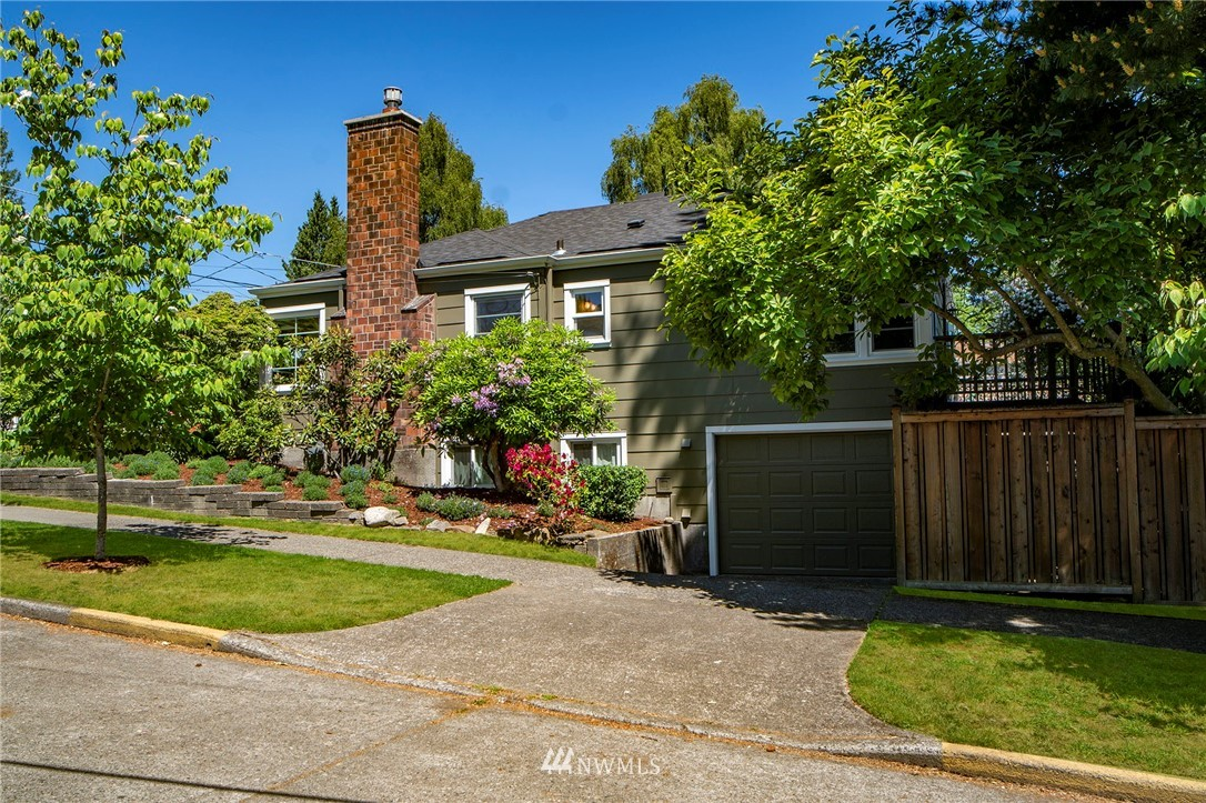Active | 6802 32nd Avenue NE Seattle, WA 98115 2