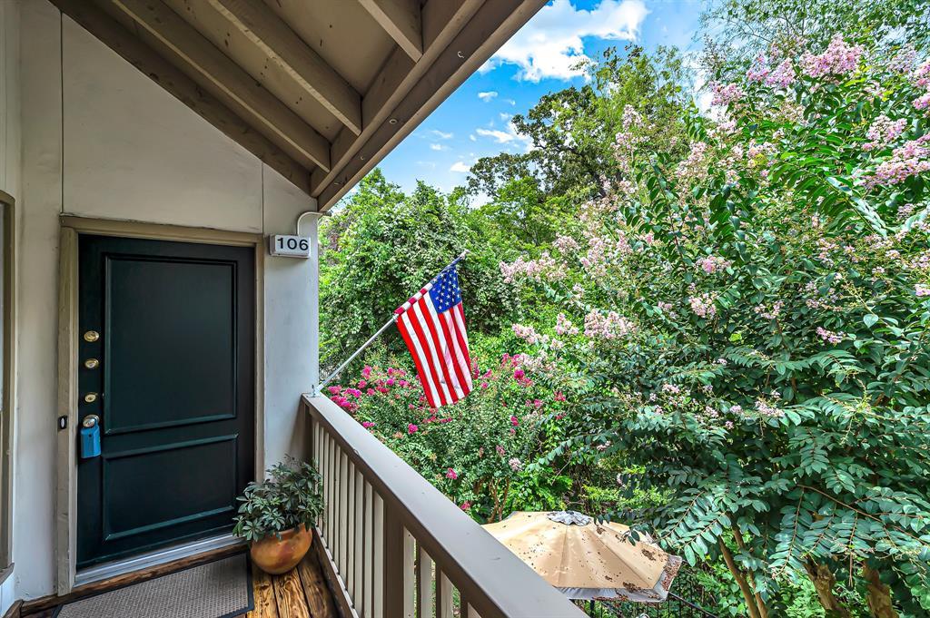 Off Market | 2100 Tanglewilde Street #106 Houston, Texas 77063 3