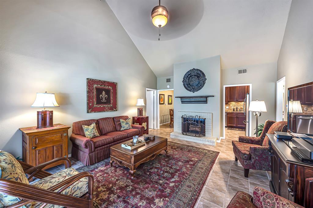 Off Market | 2100 Tanglewilde Street #106 Houston, Texas 77063 4