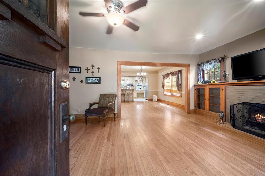 Active | 333 E 6th Street Claremore, Oklahoma 74017 3