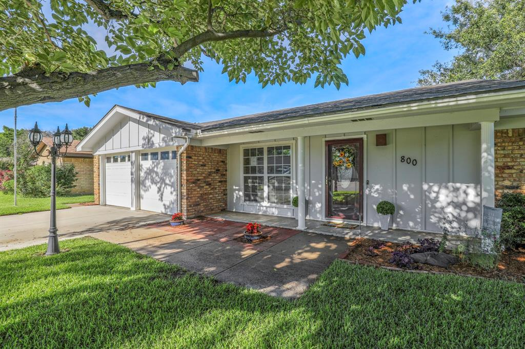 Active Option Contract | 800 Prestwick Street Bedford, Texas 76022 2