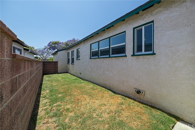 Closed | 13226 Clyde Park Ave Hawthorne, CA 90250 11