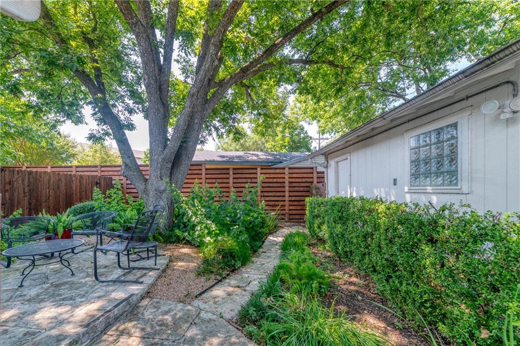 Closed   8605 Rockwood Lane Austin, TX 78757 30