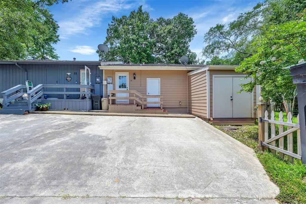 Option Pending   10 April Village Conroe, Texas 77356 35