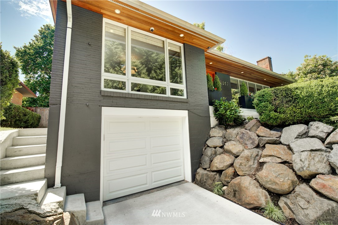 Pending | 2517 Lake Washington Boulevard E Seattle, WA 98112 2