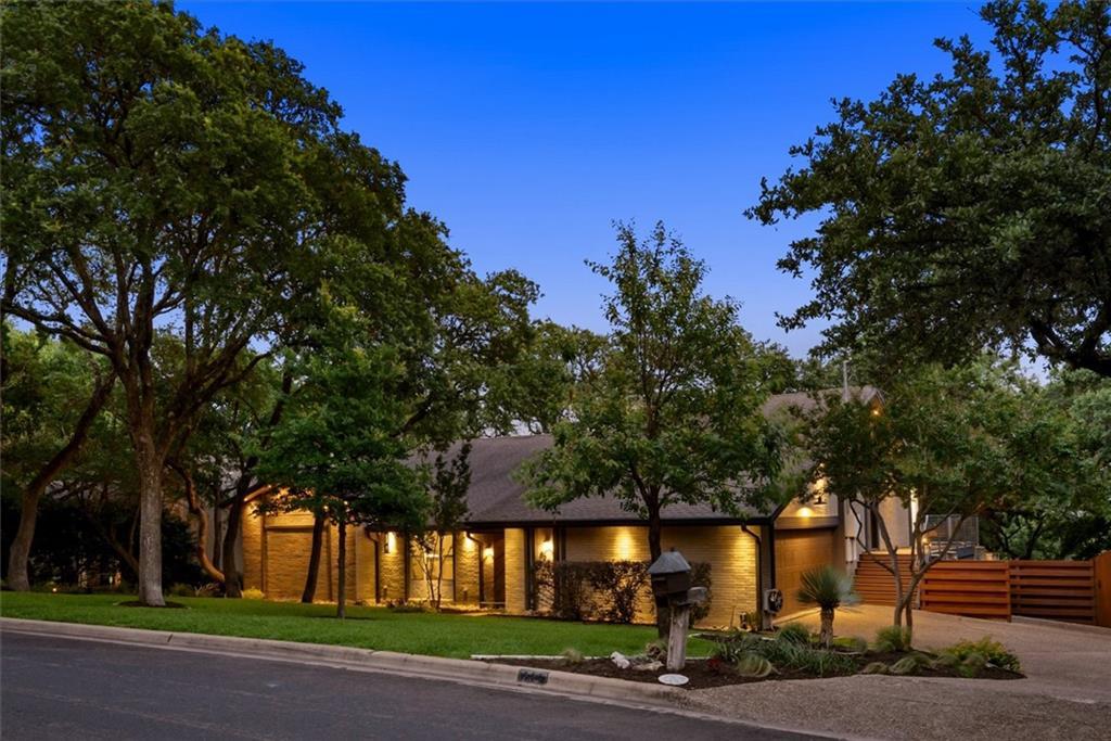 ActiveUnderContract | 8903 Fairway Hill Drive Austin, TX 78750 3