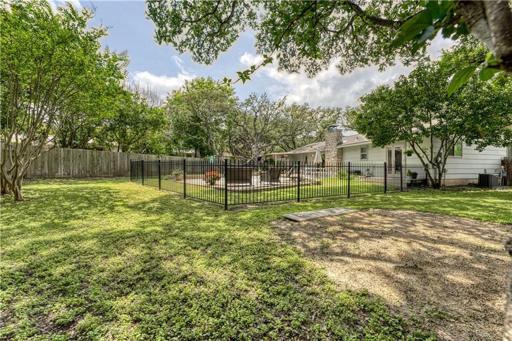 Active | 7309 Scenic Oaks Circle Austin, TX 78745 24